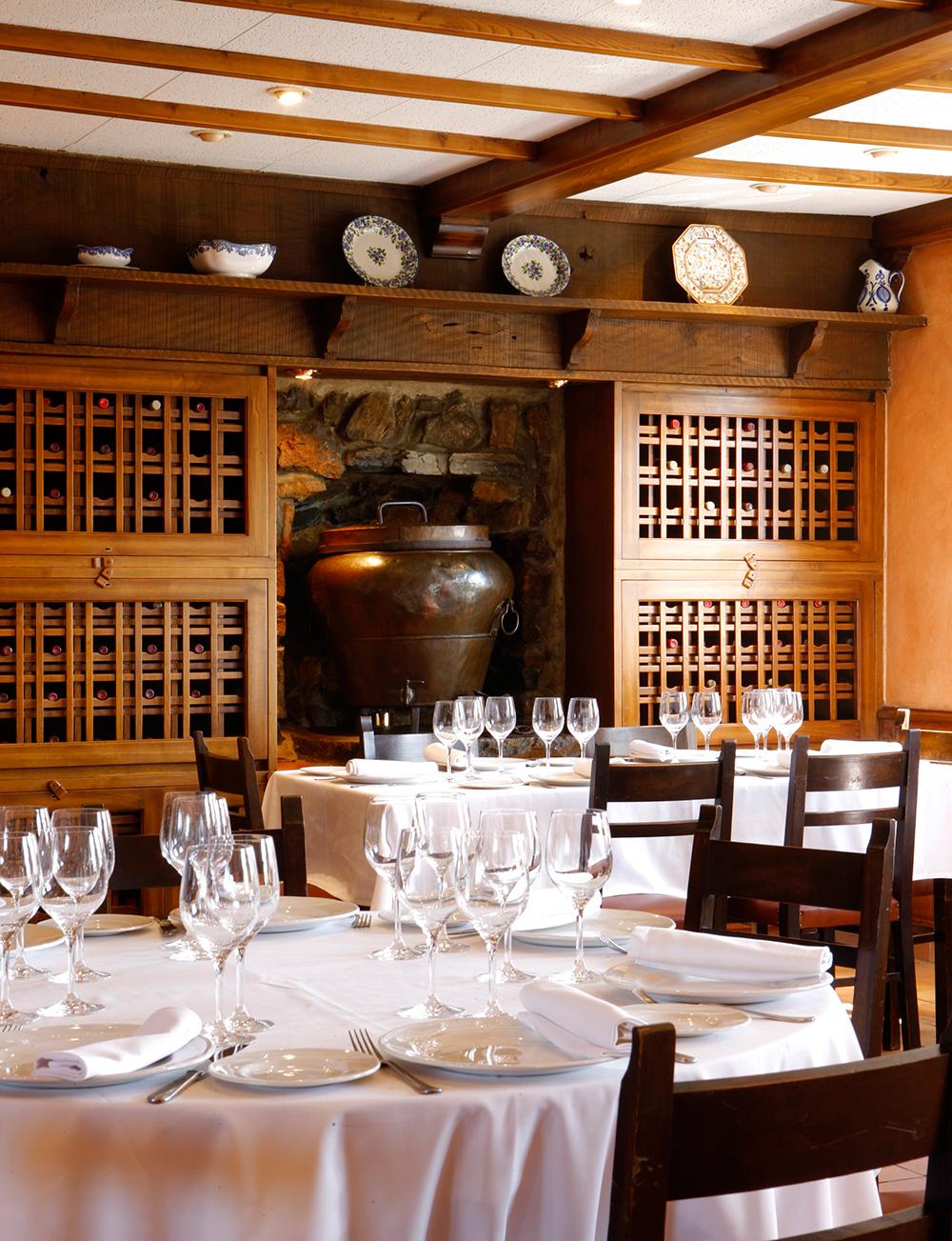 Comedor donde se sirve la mejor gastronomía asturiana